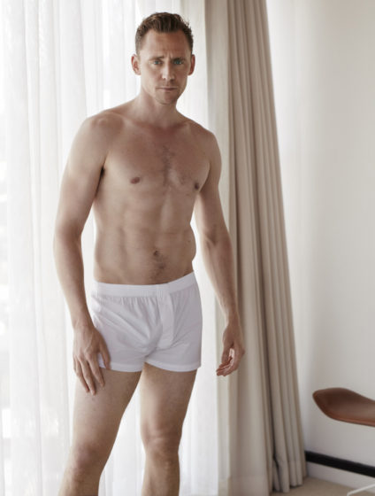 1466500736-1466495914-tom-hiddleston-taylor-swift-new-boyfriend-shirtless-boxers-w-magazine-62016-17-424x560